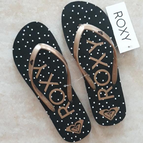 Roxy adorable flip flops